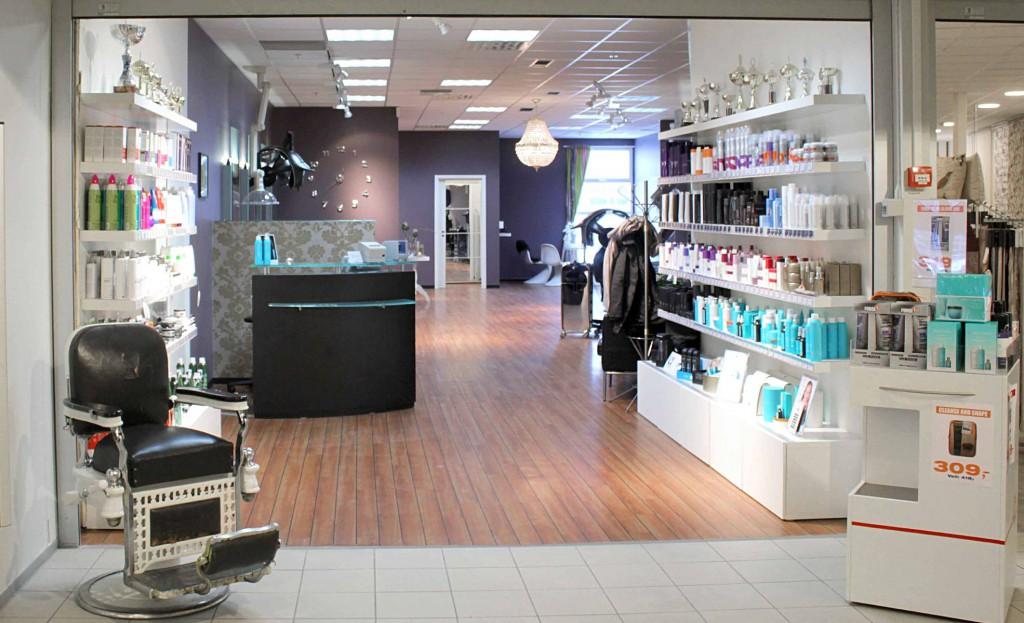 I vår salgsavdeling har vi ett godt utvalg av hårprodukter.