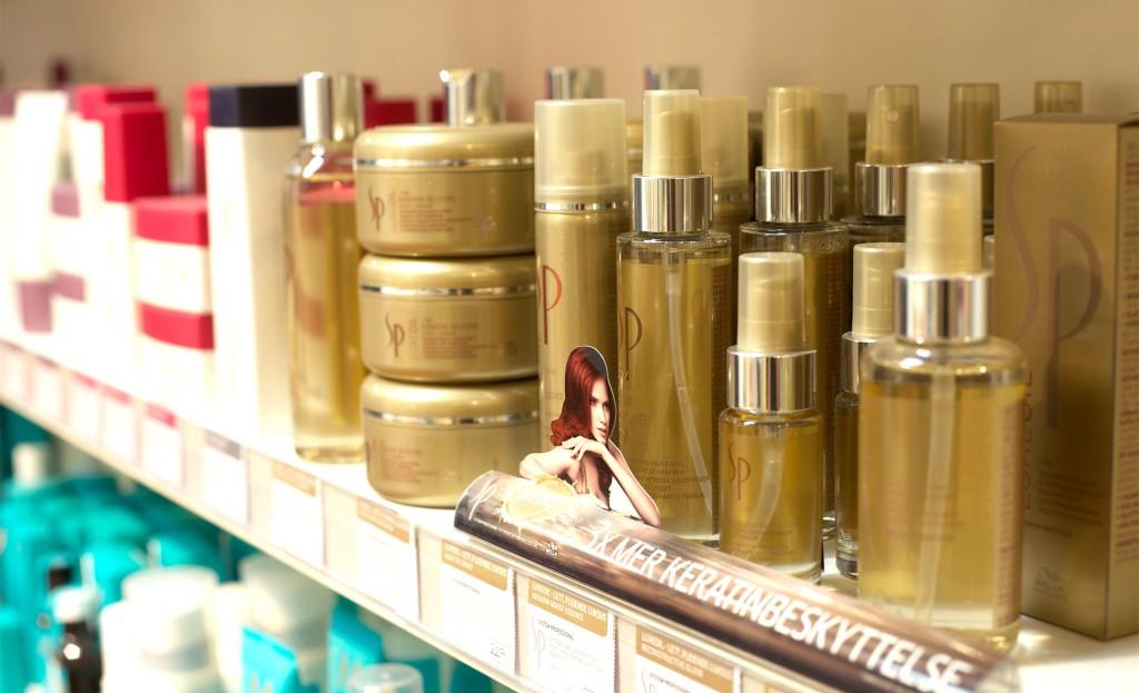 Noen av de produktene vi har på hyllen for å kunne anbefale for ditt hår.